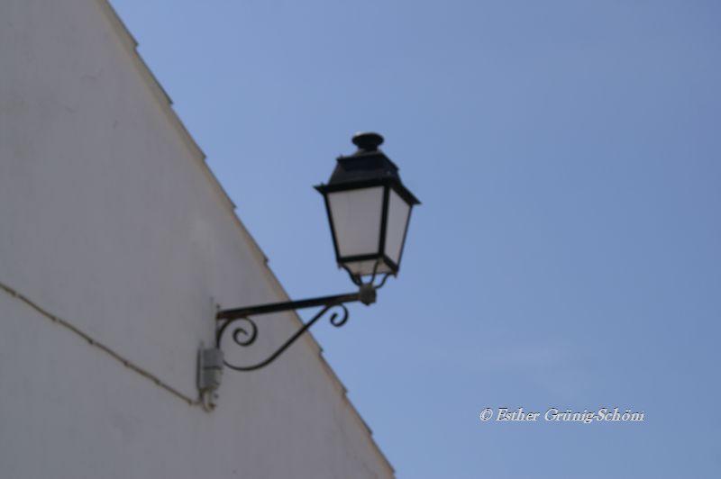 Eine der schönen Straßen Lampen